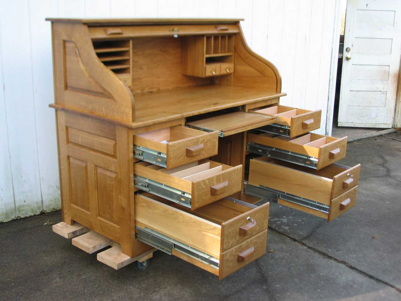 Oak Rolltop Computer Desk with Drawer and Hutch