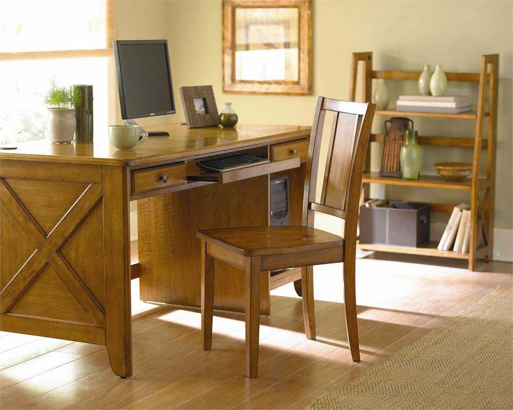 Britanica Elegant Home Oak Chair and Desk