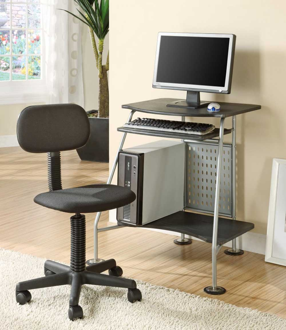 Innovex personal computer desk and chairs