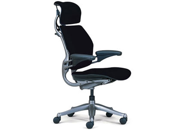 Ergonomic Aeron office seating with headrest