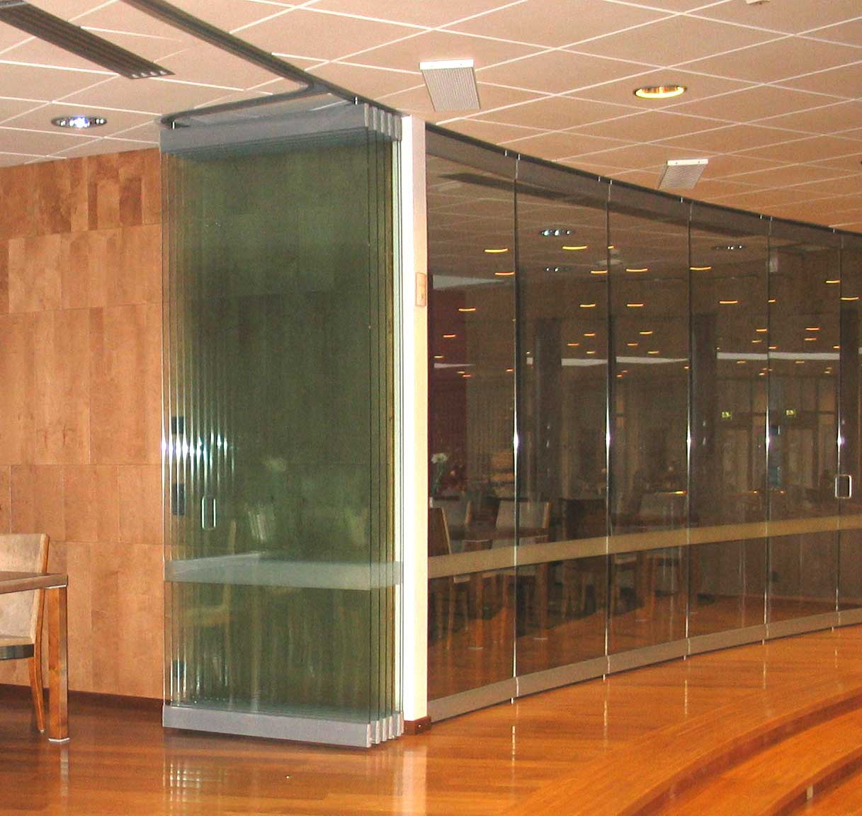 modern movable glass partition walls