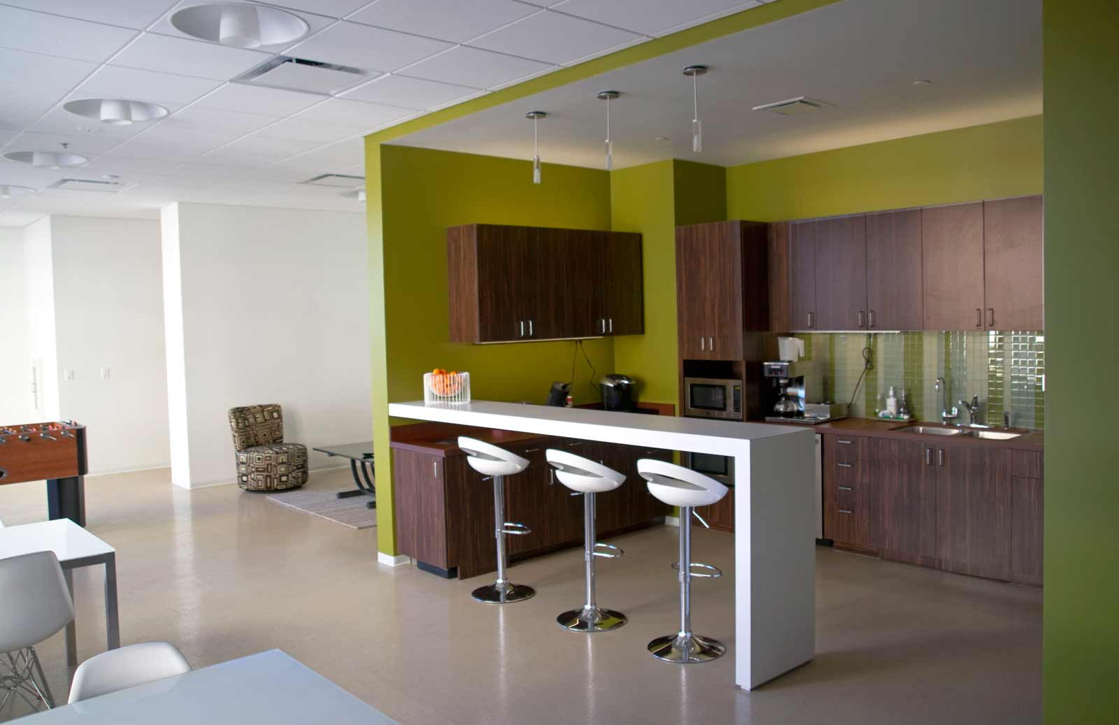 Contemporary break room chair and table