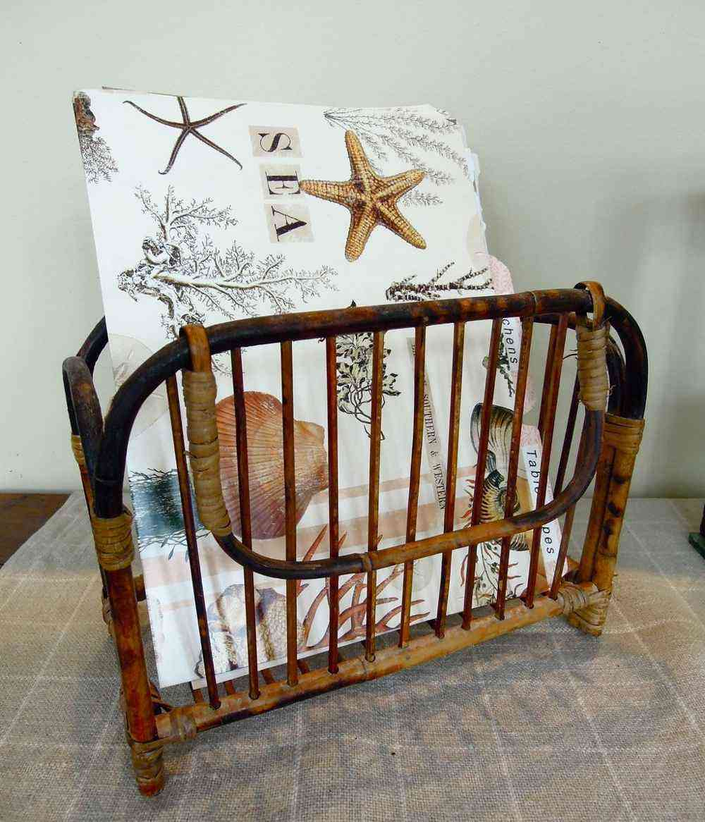 Vintage wooden magazine holder ideas