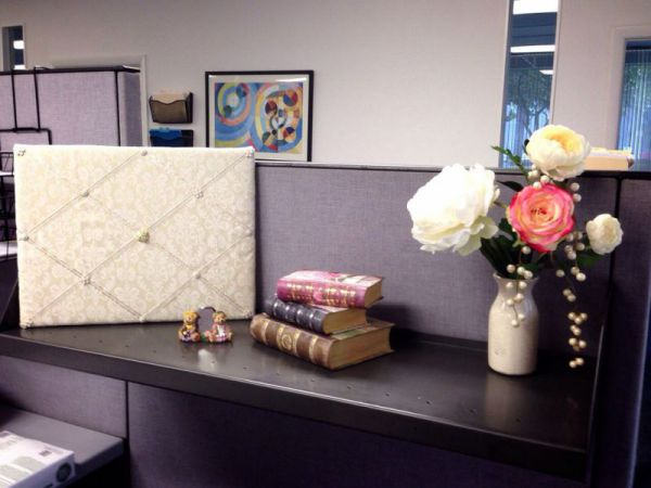 Elegnt cubicle decoration themes
